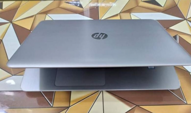 hp-g4-core-i5-7th-gen-full-fresh-with-dedicated-graphics-big-0